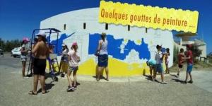 Fresque murale à l'entrée de la plage de la Roquille juin2015