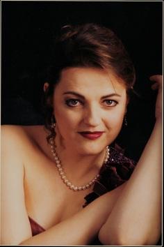 Lydia Mayo, Soprano